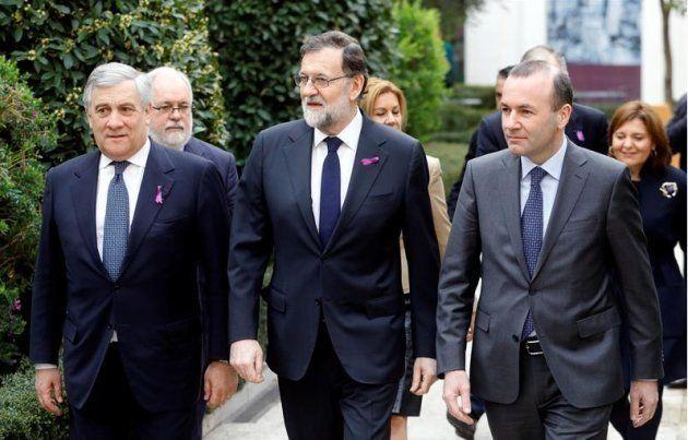 Mariano Rajoy llevando el lazo