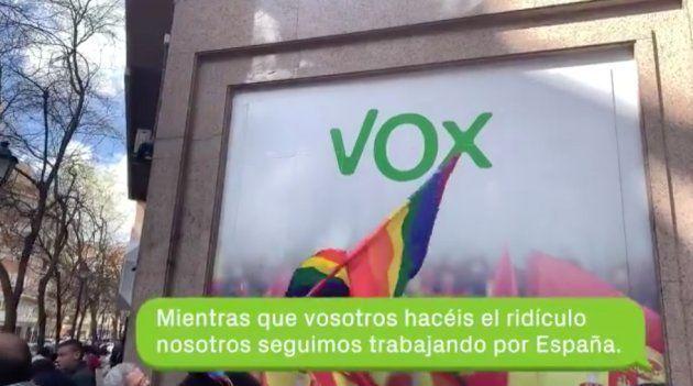 Rótulo de Vox contra la protesta