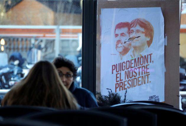 Puigdemont encabezará la lista de JxCat a las elecciones
