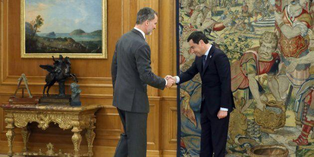 Las parodias con esta foto de Juanma Moreno y el rey Felipe