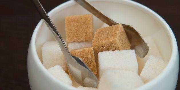 ¿Azúcar moreno o azúcar blanco? La foto que te ayudará a