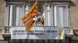 Torra desafía a la Junta Electoral: mantiene el lazo amarillo en la