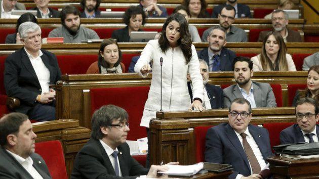Inés Arrimadas interpela a Carles Puigdemont en el Parlament de