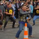 Christchurch: Hier tanzen neuseeländische Biker für die