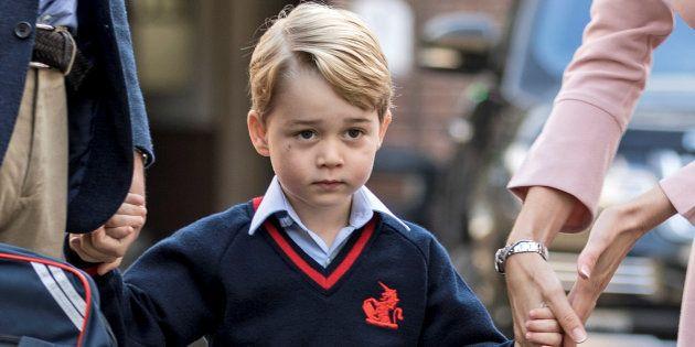 El príncipe Jorge llega a la Thomas's School de Battersea, el Londres, en su primer día de colegio, el...