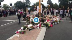 Νέα Ζηλανδία: Αστυνομικοί συγκινούν μεταφέροντας λουλούδια στον τόπο της