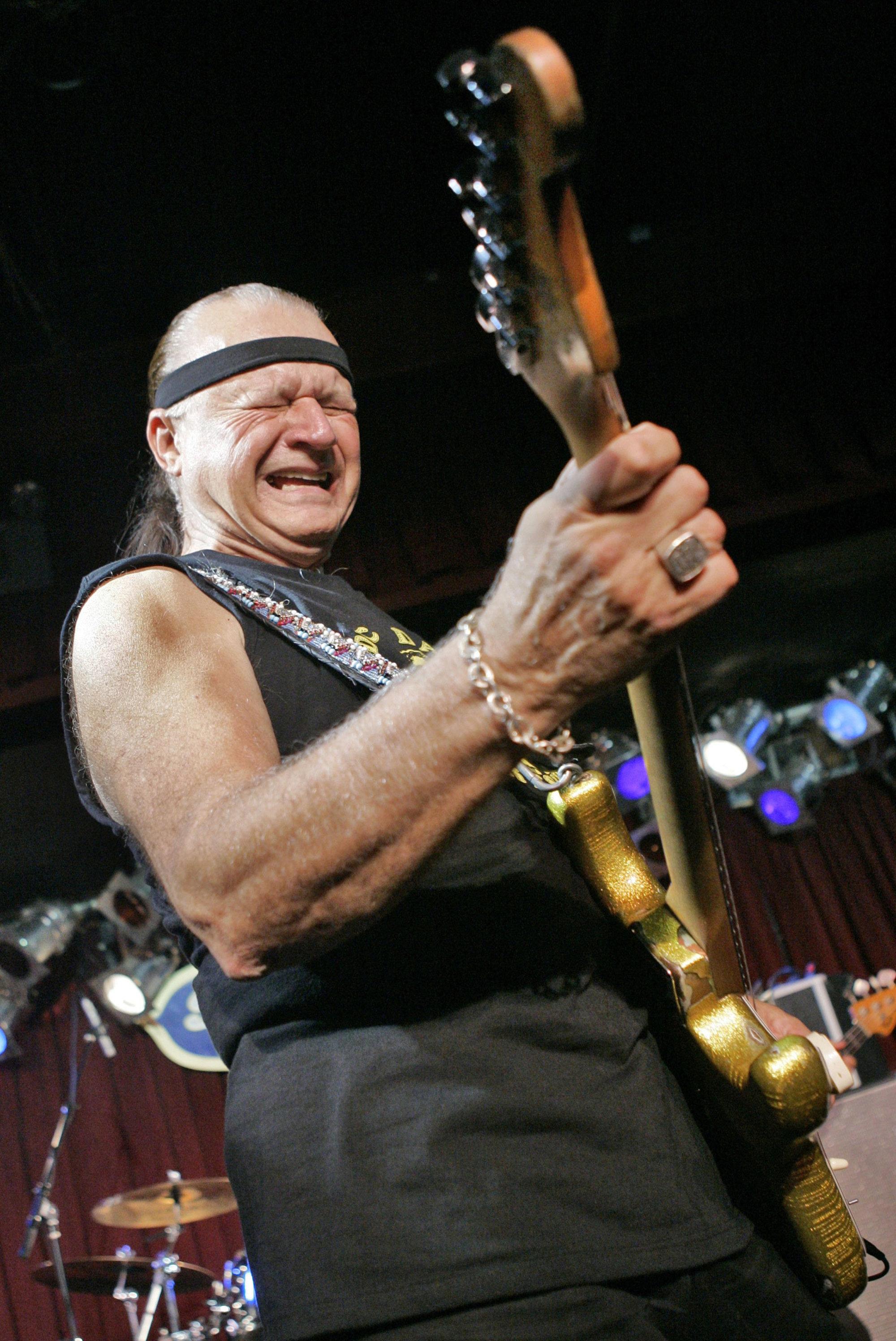 Muere el guitarrista Dick Dale, conocido por 'Pulp Fiction, a los 81