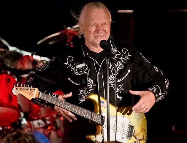 Πέθανε ο Ντικ Ντέιλ, ο κιθαρίστας που έκανε διάσημη τη