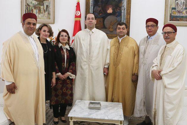Le chef du gouvernement Youssef Chahed, le ministre du Tourisme René Trabelsi et le président...