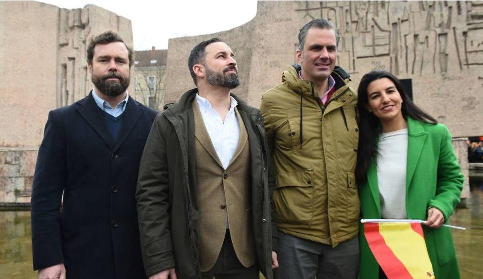 Vox plantea ilegalizar Podemos por no defender la unidad de