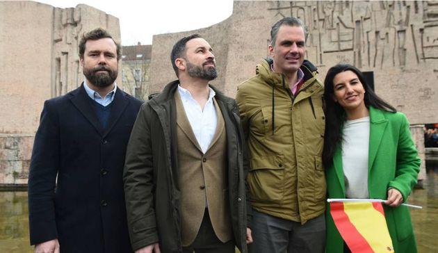 Vox plantea ilegalizar Podemos por no defender la unidad