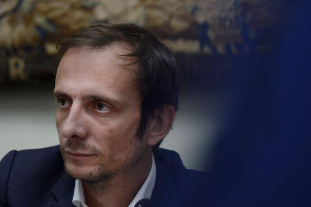 Un gobernador ultra italiano, declarado antivacunas, en el hospital con