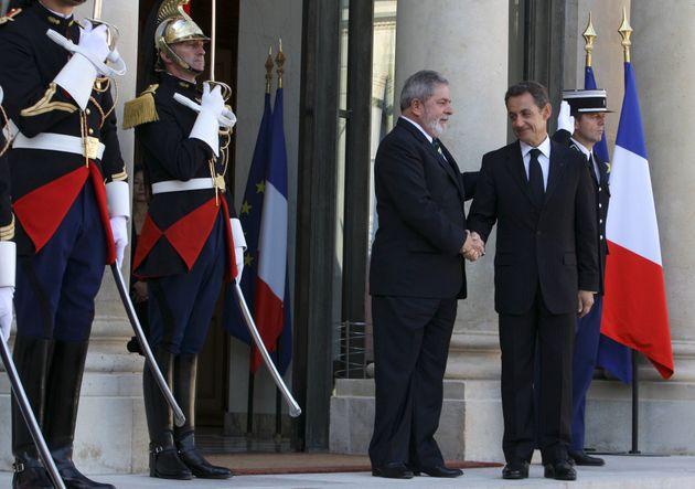 Em setembro de 2009, o então presidente Lula recebeu o colega francês, Nicolas Sarkozy,...