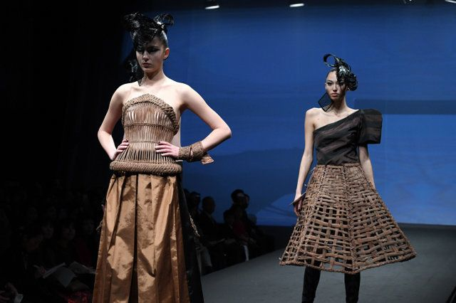 コシノジュンコさん、福島の技や素材で新作ファッション 東京コレクション