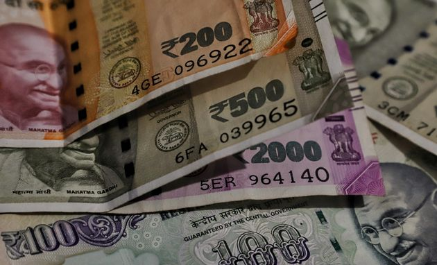 Salesman Returns Rs 10 Lakh He Found On Road, Gets