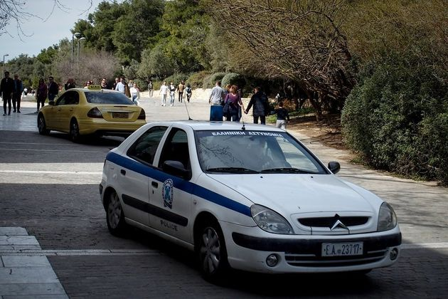 Κρήτη: Γονείς κλείδωσαν το παιδί τους στην τουαλέτα κι έφυγαν από το