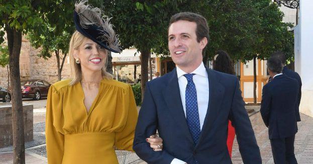 Pablo Casado junto a Isabel Torres en una