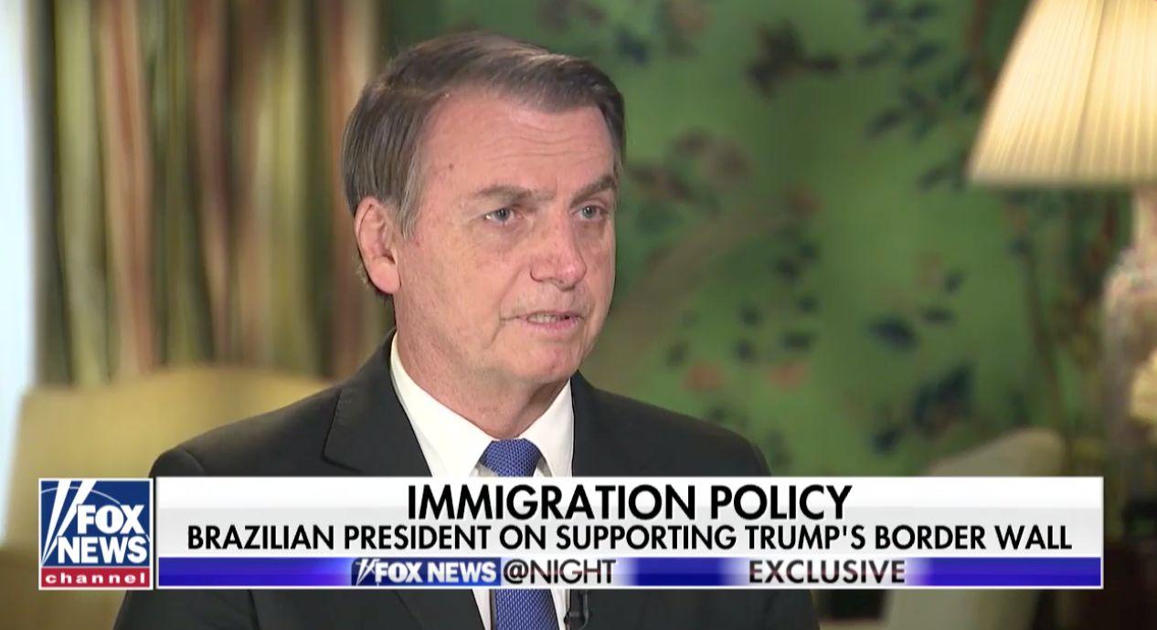 Bolsonaro diz, em entrevista, que 'maioria dos imigrantes não tem boas