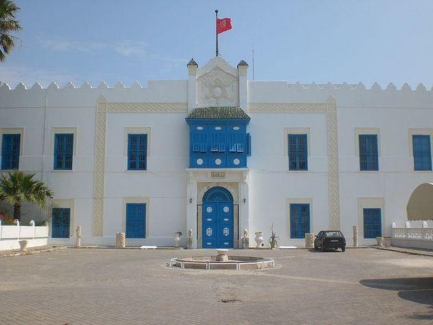 Un emblème beylical de Beit El Hikma détruit? Non,