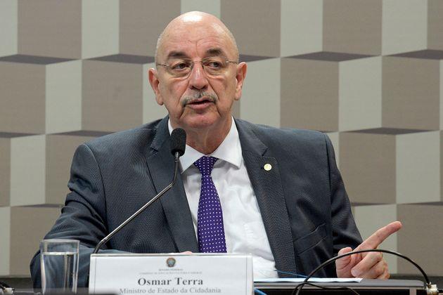 O ministro da Cidadania, Osmar Terra, em Comissão de Educação do