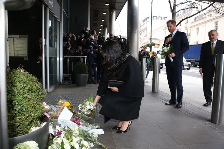 "The former ""Suits"" actress in front of New Zealand House."