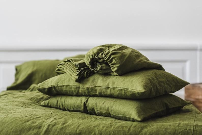 10 Gorgeous Linen Sheet Sets You'll Want To Cozy Up