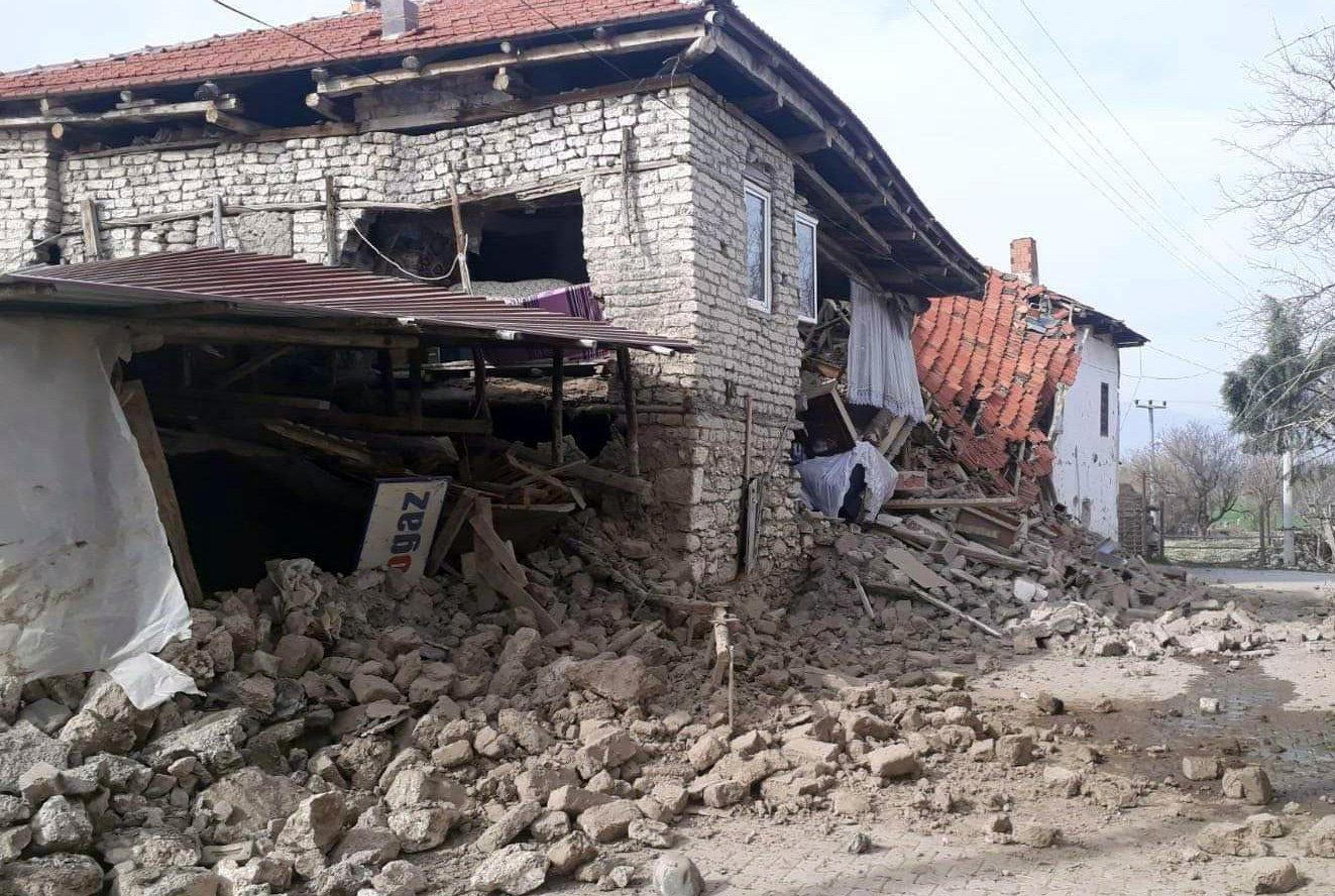 Ισχυρός σεισμός άνω των 5,5 Ρίχτερ στην