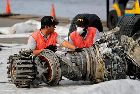 Lion Air 737 Max plane pilots 'scoured handbook' before crash