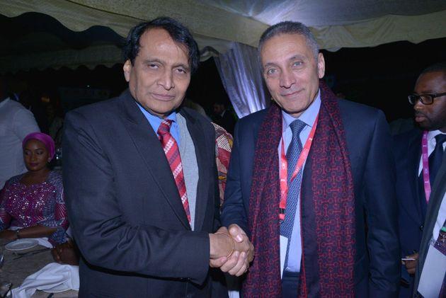 Moulay Hafid Elalamy et son homologue, le ministre du Commerce et de l'industrie de l'Inde, Suresh