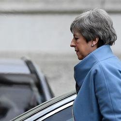 May bittet um Brexit-Aufschub bis Ende