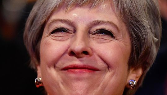 Theresa May pide a la UE una prórroga hasta el 30 de junio para desbloquear el