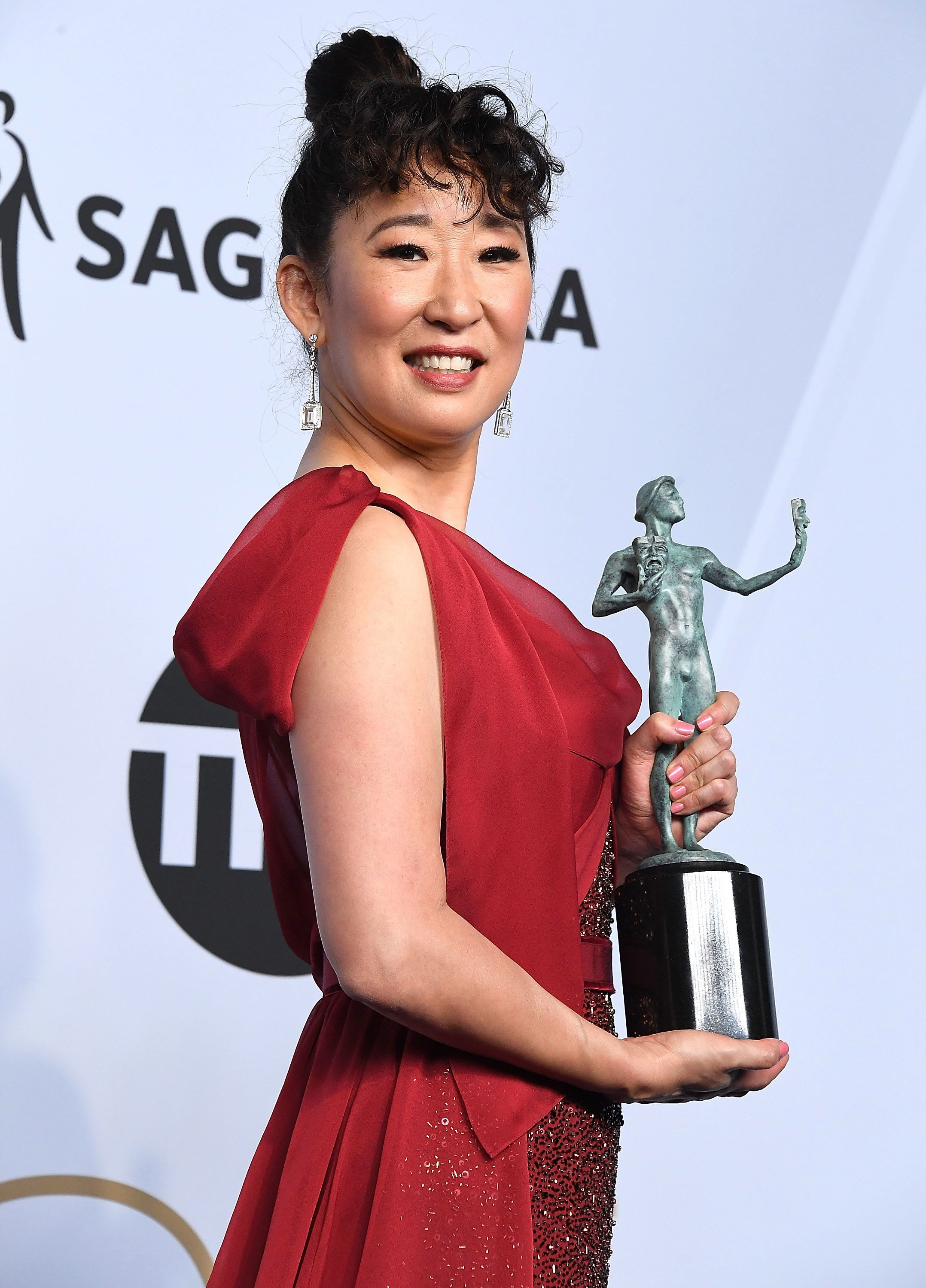 LOS ANGELES, CA - JANUARY 27:  Sandra Oh arrives at the 25th Annual Screen Actors Guild Awards at The Shrine Auditorium on January 27, 2019 in Los Angeles, California.  (Photo by Steve Granitz/WireImage)