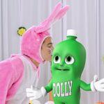 Após 10 anos, coelhinhos da Dolly recriam icônico comercial de