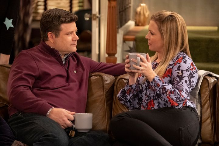 "Sean Astin and Melissa Joan Hart in ""No Good Nick"" on Netflix."