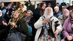 Perpétuité pour Karadzic: les applaudissements des veuves de