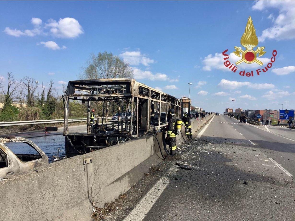 Ιταλία: Οδηγός σχολικού επιχείρησε να κάψει ζωντανούς 51