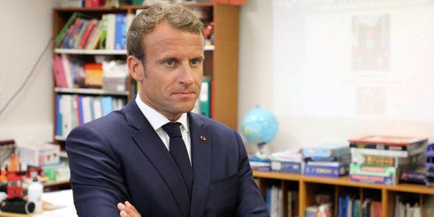 Emmanuel Macron dans une école de Laval le 3