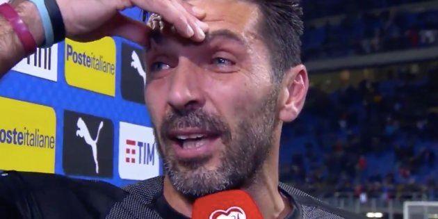 Après la défaite de l'Italie, Buffon fait ses adieux en larmes à sa carrière