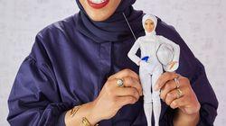 Mattel présente sa première Barbie voilée en l'honneur de l'escrimeuse Ibtihaj