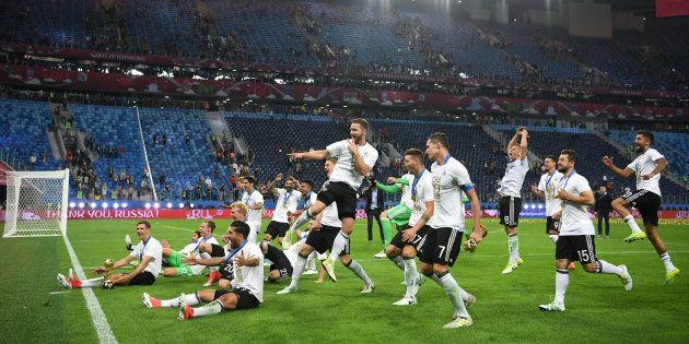 Les Allemands lors de leur victoire à la Coupe des confédérations, à l'été