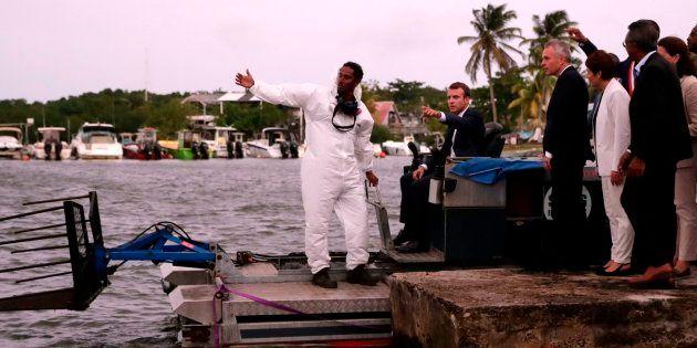 En Guadeloupe, Macron tente de répondre