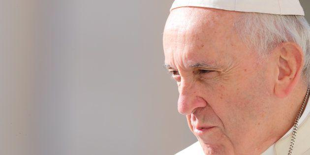 Le pape François (ici le 26 septembre au Vatican) invite à prier en octobre
