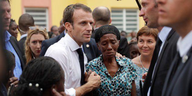 A Saint-Martin un an après l'ouragan Irma, Macron assure partager