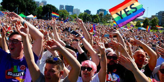 Les Australiens votent largement en faveur du mariage pour tous, une loi va être présentée au