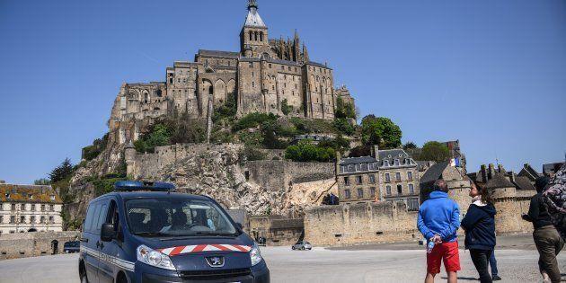 Mont-Saint-Michel: un homme soupçonné d'avoir proféré des menaces contre les forces de l'ordre a été