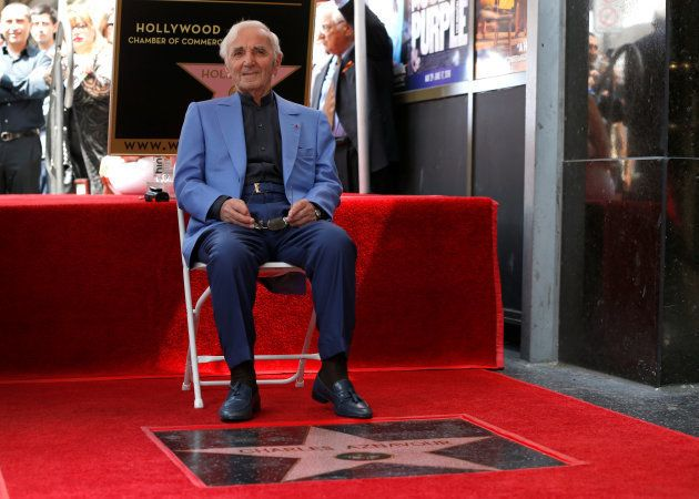 Charles Aznavour était le plus grand chanteur français à l'international, la preuve par