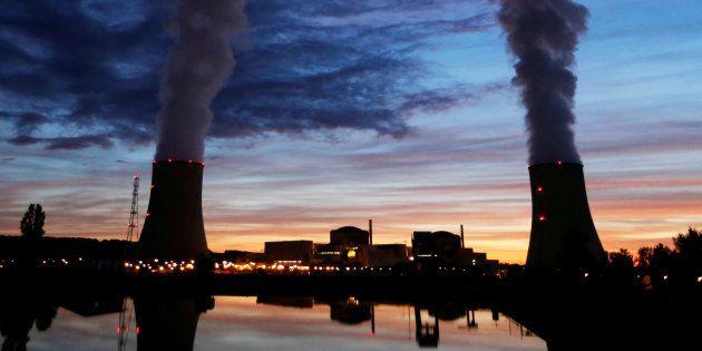 La France recule dans son engagement de réduire la part d'énergie nucléaire, et c'est une bonne