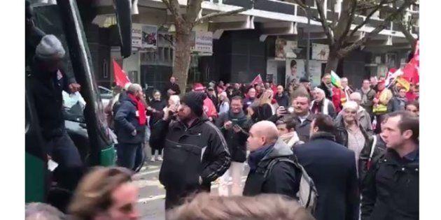 Coupe Davis: la manifestation Lilloise contre les ordonnances Macron bloquée par les joueurs de l'équipe...