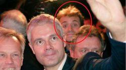Le photobomb parfait d'Hugo Clément au meeting de Laurent