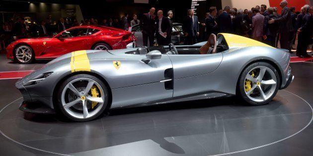 La Ferrari Monza SP1 exposée au Salon de l'Auto à